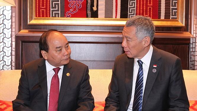 Thủ tướng Nguyễn Xuân Phúc và Thủ tướng Singapore Lý Hiển Long