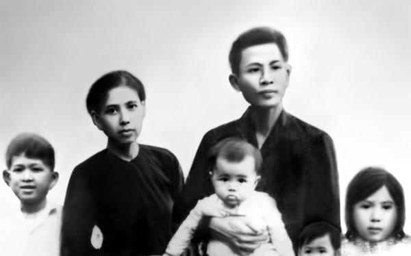 Gia đình đồng chí Võ Văn Kiệt (ảnh ghép).