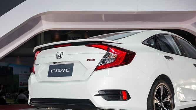 Honda Civic thế hệ thứ 10 lọt top 10 xe bán chạy nhất thế giới năm 2016