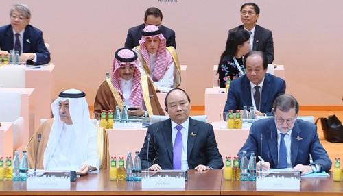 Thủ tướng tham dự Hội nghị thượng đỉnh G20. Ảnh: VGP/Quang Hiếu