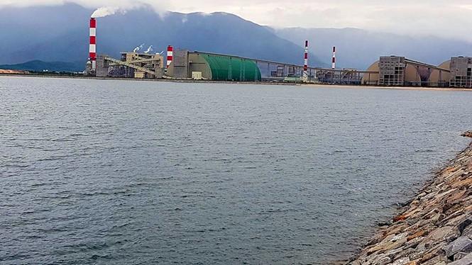 Bãi thải xỉ lấn biển của Formosa