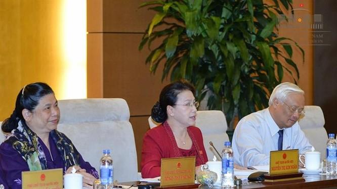 Bế mạc Phiên họp thứ 13 Ủy ban thường vụ Quốc hội khóa XIV - Ảnh: Cổng TTĐT QH