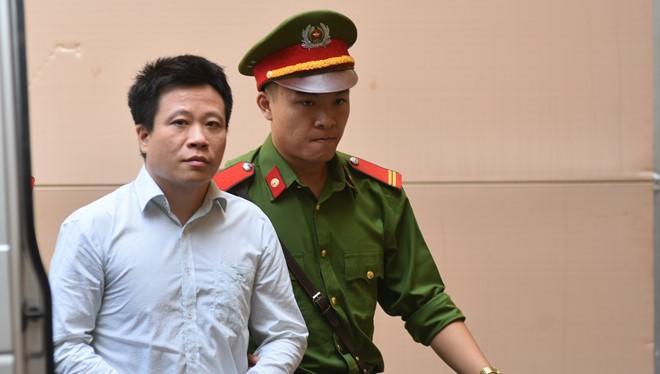 Hà Văn Thắm tại phiên xử chiều 22/9. Ảnh: Việt Hùng.
