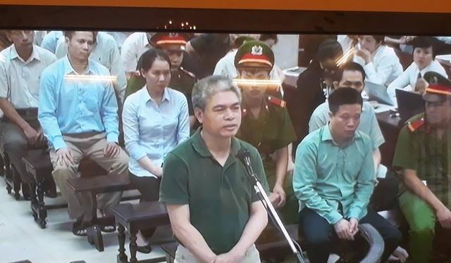 Bị cáo Nguyễn Xuân Sơn trong phiên xét xử sơ thẩm - Ảnh: XT