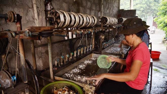 Hiện tại, làng nghề Nha Xá có khoảng 150 hộ làm nghề. Ảnh: Thuỷ Tiên.