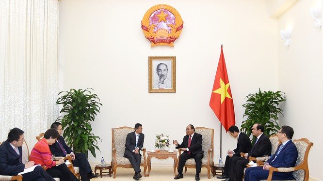 Thủ tướng Nguyễn Xuân Phúc tiếp ông Jack Ma - Ảnh: VGP