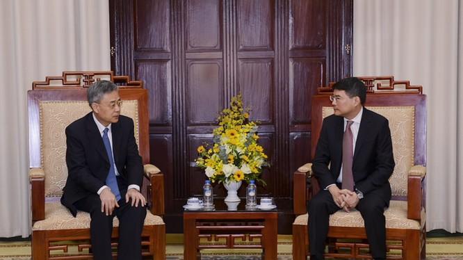 Thống đốc NHNN tiếp Chủ tịch Ủy ban Quản lý Giám sát Ngân hàng Trung Quốc - Ảnh: NHNN