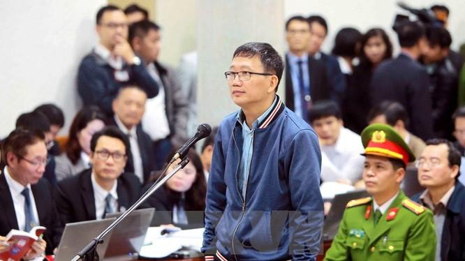 Ông Trịnh Xuân Thanh tại phiên tòa xét xử vụ án Cố ý làm trái quy định của Nhà nước về quản lý kinh tế gây hậu quả nghiêm trọng và Tham ô tài sản xảy ra tại PVC - Ảnh: TTXVN