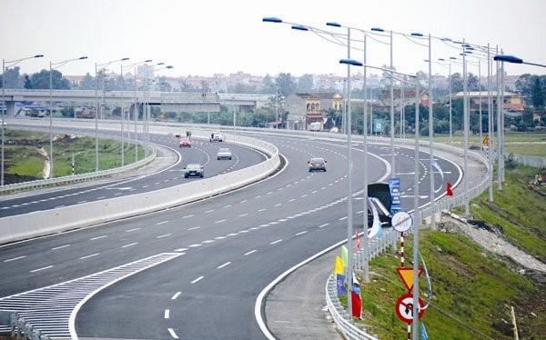 Nhu cầu đầu tư hạ tầng tại Việt Nam vẫn rất lớn. Ảnh: NGUYỄN NAM
