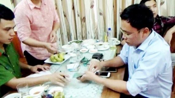 Cựu nhà báo Duy Phong bị cáo buộc tội cưỡng đoạt tài sản.