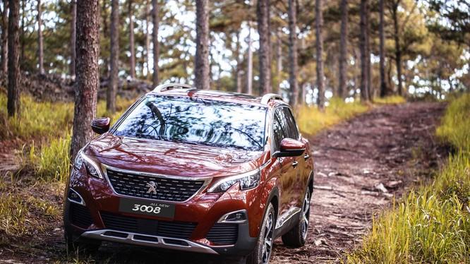Ra mắt thị trường vào cuối năm 2017, bộ đôi SUV Peugeot 5008, 3008 AllNew đã góp phần đưa doanh số của Peugeot Việt Nam tăng trưởng đột phá đến cột mốc gần 3.000 xe trong 9 tháng đầu năm 2018.