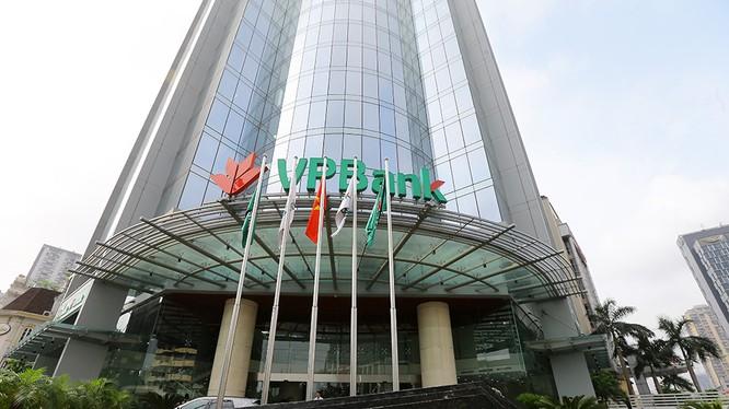 Lần thứ 3 VPBank lọt vào danh sách Top 10 DN tư nhân lớn nhất Việt Nam.