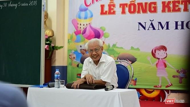 Giáo sư Hồ Ngọc Đại.
