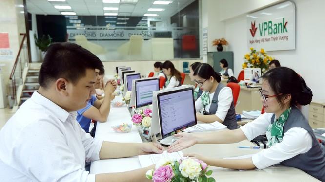 Lần thứ hai liên tiếp trong vòng 3 tháng qua VPBank được các tổ chức quốc tế vinh danh là ngân hàng có dịch vụ tốt nhất dành cho SME