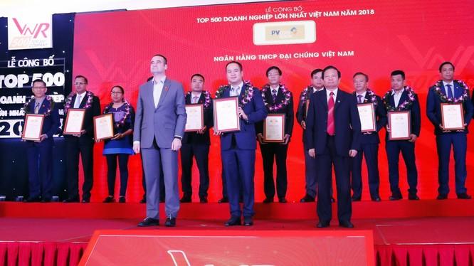 PVcomBank lần thứ 5 liên tiếp lọt Top 500 doanh nghiệp lớn nhất Việt Nam