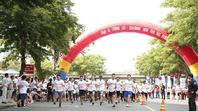 Giải chạy thu hút sự tham gia của hơn 1.000 vận động viên