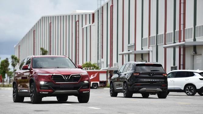 Phiên bản thương mại của Lux A2.0 và Lux SA2.0 hận được những đánh giá tích cực của các chuyên gia về ô tô.