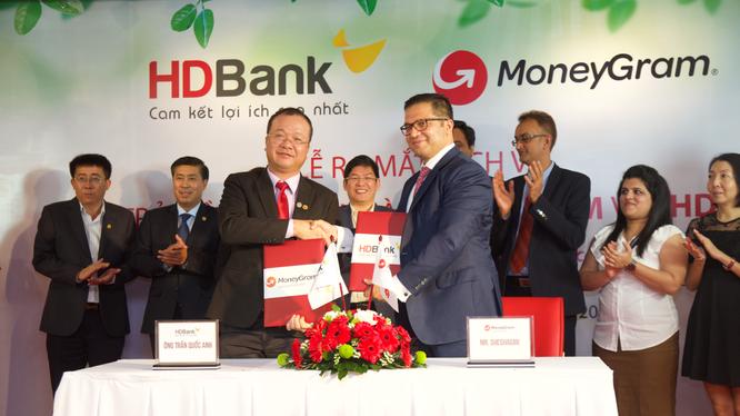 Lễ ký kết thỏa thuận giữa HDBank và MoneyGram