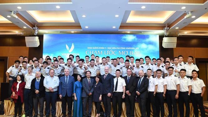 Lễ khai giảng Khóa 1 chuyên ngành đào tạo Phi công của VinAviation