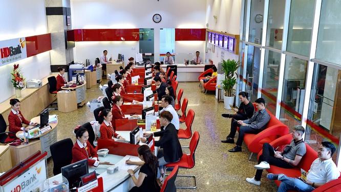 Tiện ích mà HDBank tiên phong cung cấp nhằm giúp doanh nghiệp tăng cường giao dịch ứng dụng công nghệ số, tiết kiệm được thời gian và chi phí đi lại.