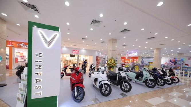 Hiện tại, Vinfast đã có 118 showroom, đại lý ủy quyền của ô tô và xe máy điện, phủ khắp 52 tỉnh thành trên toàn quốc.