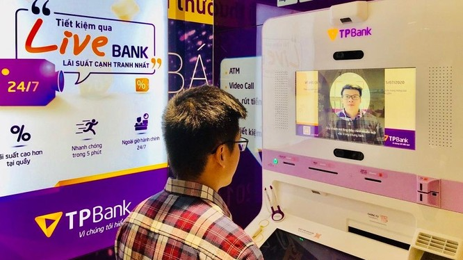 Nhờ chuyển đổi số triệt để, toàn diện từ trong ra ngoài, TPBank đã tiết giảm được đáng kể chi phí vận hành so với mô hình một ngân hàng truyền thống