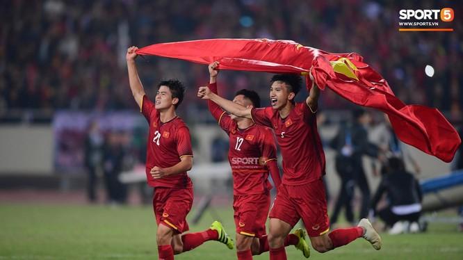 Tự hào đội tuyển Việt Nam (ảnh SPORT5)