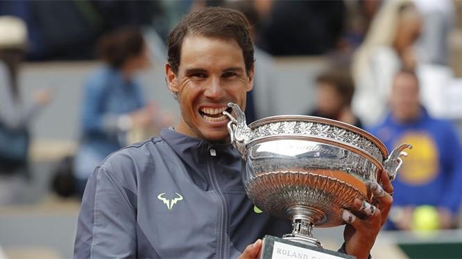 Chiến thắng này giúp Nadal lập kỷ lục 12 lần đăng quang vô địch giải Grand Slam này (trong đó có 3 năm liên tiếp trở lại đây). Ảnh ATP.