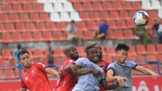 Hà Nội và TP.HCM (áo sẫm) là 2 đội mạnh tại V.League 2018 đã có mặt tại bán kết Cúp quốc gia (ảnh VPF)