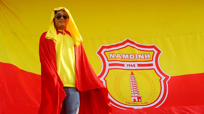 Trận đấu giữa Nam Định và Viettel trên sân Thiên Trường hứa hẹn căng thẳng, kịch tính. Ảnh CĐV Nam Định.
