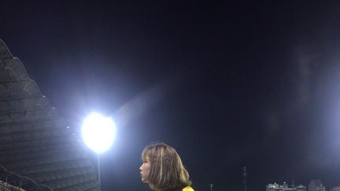 Đã 5 trận đấu rồi, khán giả xứ Nghệ mong chờ chiến thắng trên sân Vinh. Ảnh CĐV SLNA