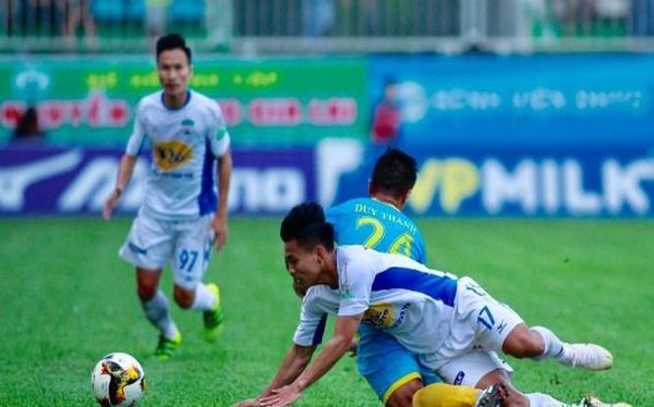 Các cầu thủ S.Khánh Hòa đang có nguy cơ rớt hạng. Ảnh KHFC.