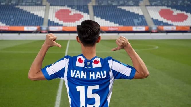 CLB Heerenveen mượn VH15 thi đấu một mùa bóng với chi phí 1,4 triệu euro cùng mức lương 22.000 USD/tháng. Ảnh CLB.