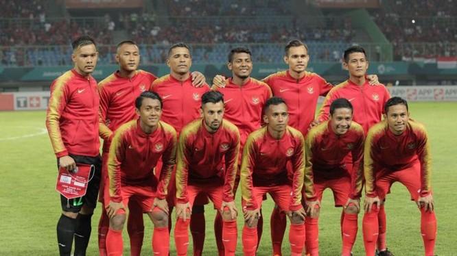 Lối đá dùng nhiều đường chuyền bổng, dài của Indonesia không phát huy được nhiều tác dụng. Ảnh AFC