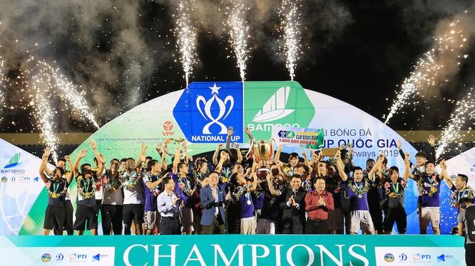 Lễ đăng quang của đội vô địch Cúp quốc gia 2019. (Ảnh VPF)