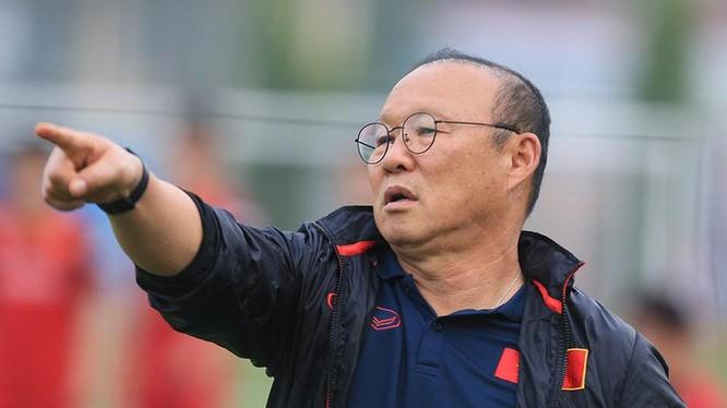 Ông Park sẽ tiếp tục loại thêm 2 cầu thủ nữa. Ảnh VF.
