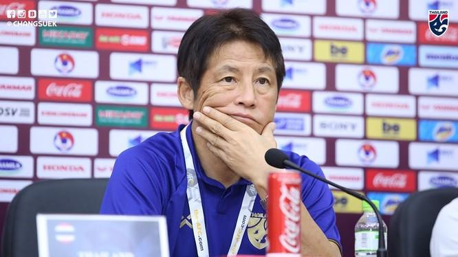 Đau đầu trước trận đấu. Ảnh Changsuek.