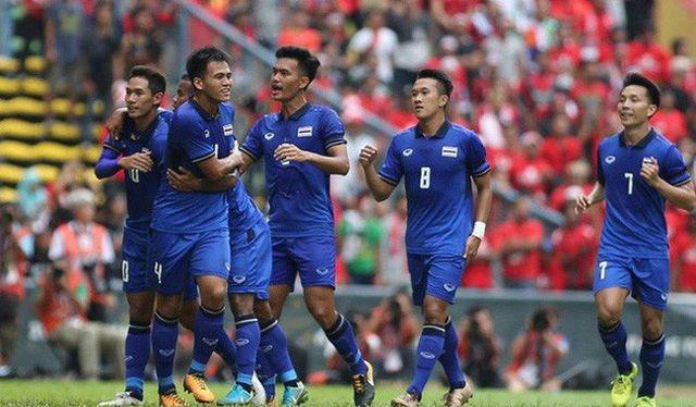 """Trưởng đoàn bóng đá Thái Lan Kosin khẳng định: """"Thái Lan sẽ bảo vệ thành công tấm HCV SEA Games 30"""". Ảnh Changsuek"""
