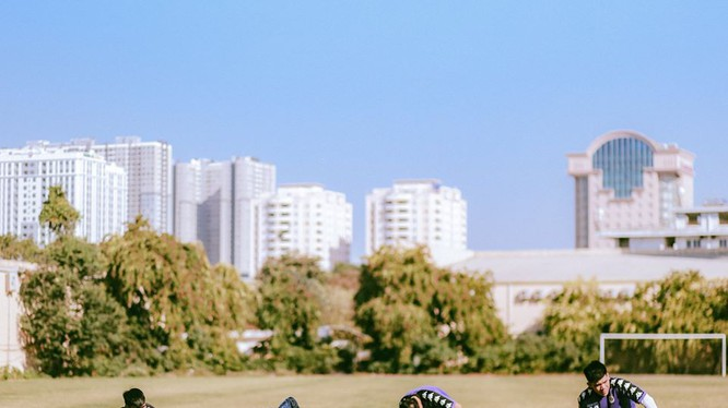 Các cầu thủ Hà Nội đã bắt đầu khởi động chuẩn bị mùa bóng 2020. Ảnh HNFC.