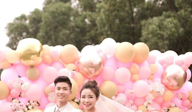 """""""Chúc mừng hạnh phúc. I love you, Văn Đức"""", HLV Park Hang-seo đã dành cho cậu học trò cưng của mình những lời chúc phúc."""