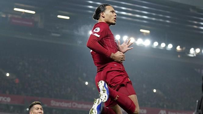 Liverpool sẽ chỉ cần giành 6 chiến thắng nữa là bước lên ngôi vương Premier League mùa này. Ảnh CLB.
