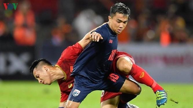 Chúng ta đã vô địch AFF Cup 2018 và SEA Games 31 nhưng giá trị các cầu thủ Việt Nam đang thua xa Thái Lan. Đó là nghịch lý có thật. Ảnh VOV
