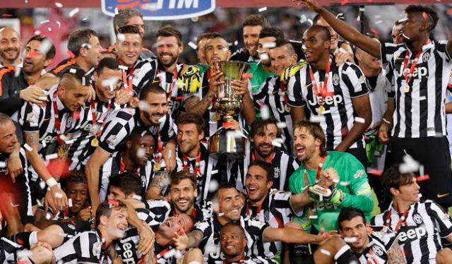 Chỉ cần một cuộc gọi của đội trưởng Giorgio Chiellini, toàn bộ thành viên trong đội đã đồng ý giảm lương. Ảnh CLB