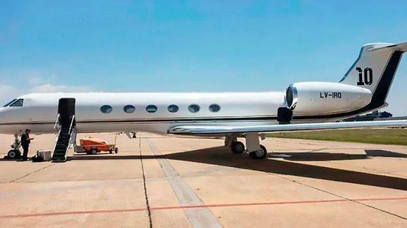 Chiếc chuyên cơ này hiệu Gulfstream V do Messi mua từ hai năm trước với giá khoảng 13 triệu euro. Ảnh HLN