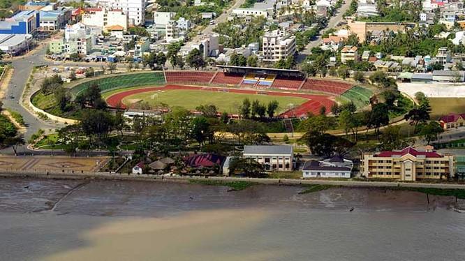 Người Tây Đô tự hào có sân Cần Thơ với sức chứa lớn nhất trong các sân vận động Việt Nam với 60.000 chỗ. Ảnh Cần Thơ FC