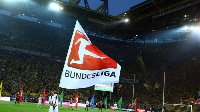 Bundesliga trở lại là tin vui đối với toàn thể người hâm mộ bóng đá thế giới. Ảnh AP.