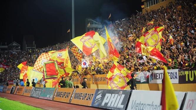 Nếu được tổ chức bán vé, CLB Nam Định sẽ thu được không ít hơn 1,5 tỷ đồng tiền vé trận đấu này. Ảnh NĐFC