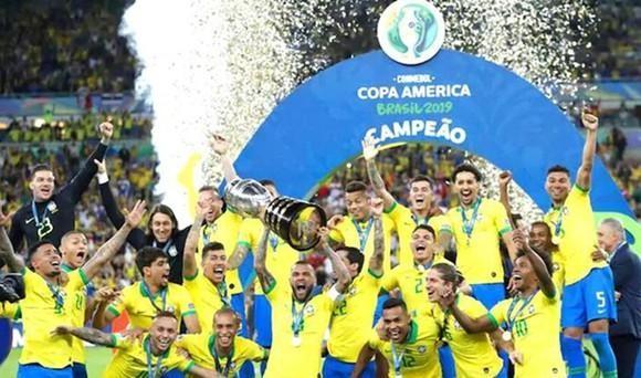 Đương kim vô địch Copa America có quá nhiều lợi thế để bảo vệ chức vô địch, nhất là khi họ được đá trên sân nhà. Ảnh AP.