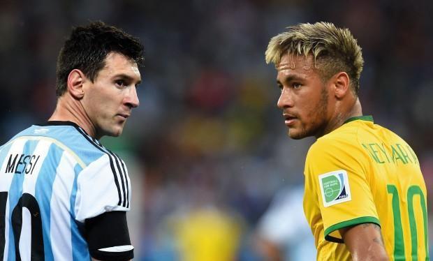 Hai ngôi sao lớn nhất của bóng đá Nam Mỹ là Messi và Neymar đã giành vô số thành tích cá nhân và ở cấp CLB. Ảnh Sky