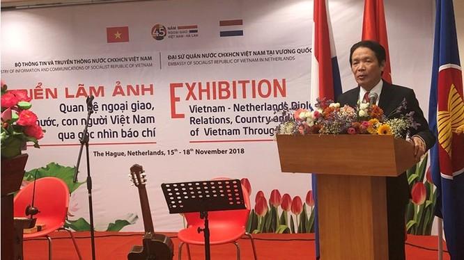 Thứ trưởng Bộ TT&TT Hoàng Vĩnh Bảo phát biểu khai mạc Triển lãm